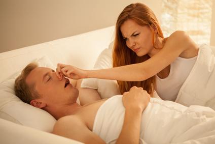 Akupunktur und Akupressur gegen Schnarchen